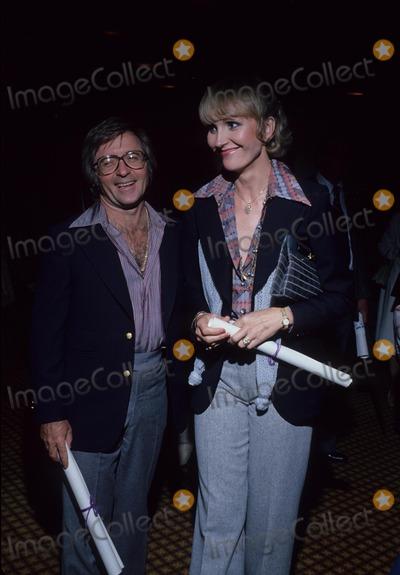 Arte Johnson Photo - Arte Johnson with Wife Gisela Photo by Bob V Noble-Globe Photos Inc