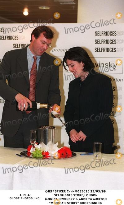Andrew Morton Photo - 0399 Selfridges Storelondon Monica Lewinsky  Andrew Morton monicas Story Book Signing