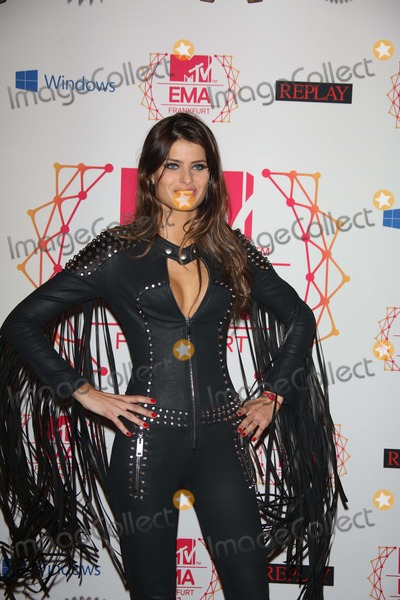 Isabeli Fontana Photo - Brazilian Model Isabeli Fontana Arrives For the Mtv Europe Music Awards (Ema) at Festhalle in Frankfurt Germany on 11 November 2012 the Music Tv Channels Award Ceremony Is in Its 19th Year and Recognizes Talent on the European Music Scene Photo Alec Michael