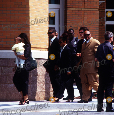 Left Eye Lopes Photo - Funeral Services For Lisa Left Eye Lopes Georgia 050202 Photo by John KrondesGlobe Photos Inc2002 Usher Chilli of Tlc