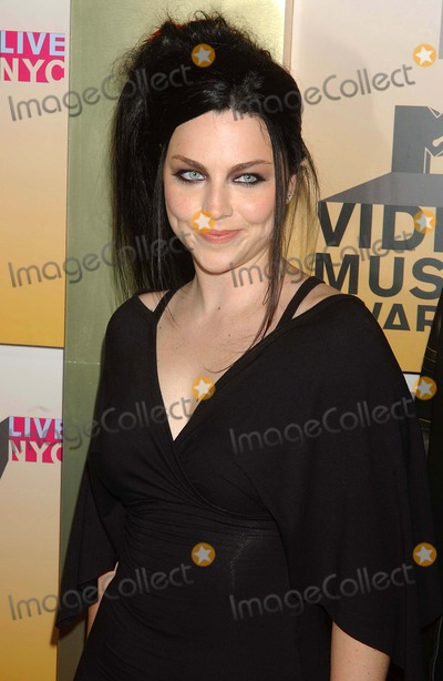 Amy Lee Photo - Mtvs Video Music Awards-arrivals Held at Radio City Music Hall New York City 08-31-2006 Photo Ken Babolcsay-ipol-Globe Photos Inc 2006 Amy Lee