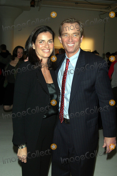 Kennedy Photo - Reflected Light a Photography Auction to Benefit Riverkeeper in New York City 11192002 Photo by John BarrettGlobe Photos Inc 2002 Robert Kennedy Jr and Wife