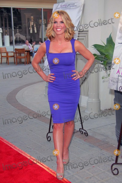 Joy Suprano Photo - Joy Suprano a Little Help Los Angeles Premiere Held at Sony Studios Culver City CA July 14- 2011 Photo TleopoldGlobephotos