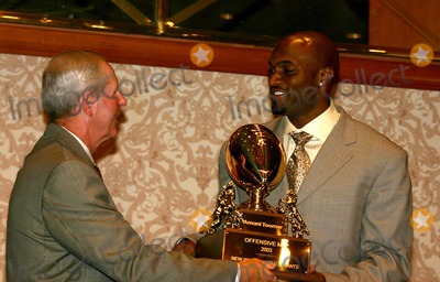 Amani Toomer Photo - New York Giants 80th Season Kick Off Lunceon at the Sheridan NY Hotel in New York City 912004 Photo Bywilliam ReganGlobe Photos Inc 2004 Coach Tom Coughlin and Amani Toomer