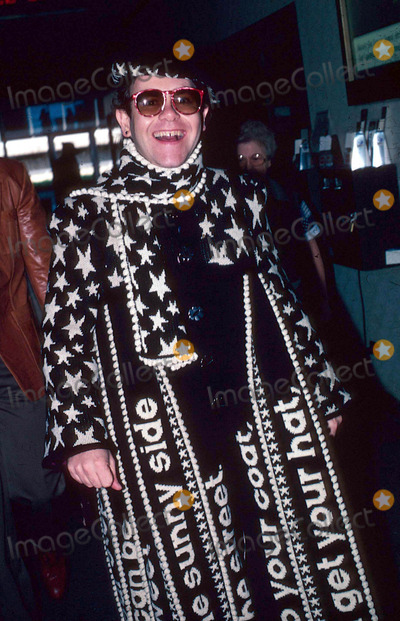 Elton John Photo - Elton John at John F Kennedy Airport in New York City 10-18-1982 12483 Photo by James Colburn-ipol-Globe Photos Inc
