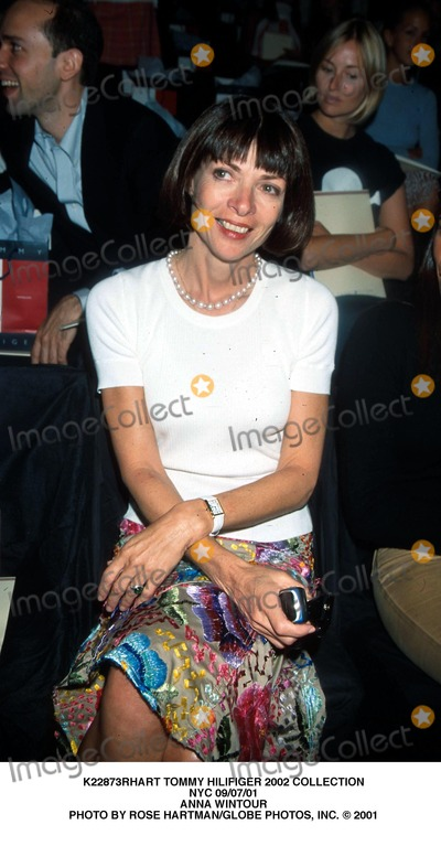 Anna Wintour Photo - Tommy Hilifiger 2002 Collection NYC 090701 Anna Wintour Photo by Rose HartmanGlobe Photos Inc