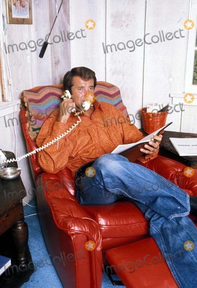 Lyle Waggoner Photo - Lyle Waggoner 1976 Photo by Steven SchatzbergGlobe Photos Inc
