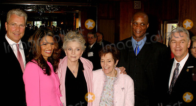 Adele Photo - K36888RMNATIONAL COUNCIL ON ALCOHOLISM AND DRUG DEPENDENCE (NCADD) AND ITS NYC AFFILIATE THE ALCOHOLISM COUNCIL OF NY WILL HOST ITS ANNUAL SPRING AWARDS LUNCHEON AT TAVERN ON THE GREEN IN NEW YORK CITY4282004PHOTO BYRICK MACKLERRANGEFINDERSGLOBE PHOTOS INC  2004(ABC) SCOTT CLARK CHARISSE STRAWBERRY JUDY COLLINS ADELE C SMITHERS-FORNACI AND DARRYL STRAWBERRY