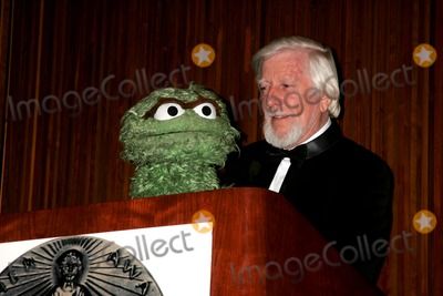 Caroll Spinney Photo - The 59th Annual Christopher Awards Mcgraw-hill Building 04-10-2008 Photos by Rick Mackler Rangefinder-Globe Photos Inc2008 Master Puppeteer Caroll Spinney with Oscar the Grouch
