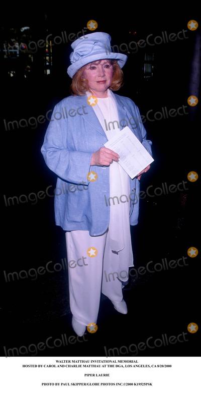 Walter Matthau Photo - Walter Matthau Invitational Memorial Hosted by Carol and Charlie Matthau at the Dga Los Angeles CA 8202000 Piper Laurie Photo by Paul SkipperGlobe Photos Inc2000