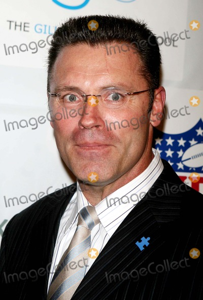 Howie Long Photo - Kickoff For a Cure 2 Benefit For Children with Autism at Waldorf-astoria Hotel Date 03-14-07 Photos by John Barrett-Globe Photosinc Howie Long Howie Long