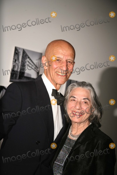 Alex Katz Photo - The Museum of Modern Art Honors Leon and Debra Black and Martin Scorcese at the 39th Annual Party in the Garden Museum of Modern Art New York City 05-15-2007 K53013smo Photos by Sonia Moskowitz Globe Photos Inc 2007 Alex and Ada Katz