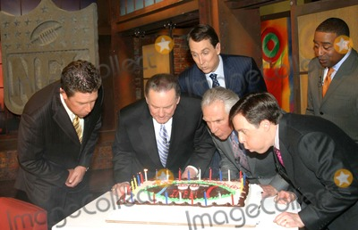 Chris Carter Photo - Exclusive Hbos Inside the Nfl Celebrates Thier 30th Anniversary on the Air Joining Host Bob Costas Are Dan Marino Chris Collinsworth Chris Carter Hbo Studios  New York City 12-06-2006 Photos by Barry Talesnick-ipol-Globe Photosinc