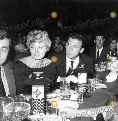 Anthony Franciosa Photo - Photo Globe Photos Inc Shelley Winters and Anthony Franciosa at the Cloister Opening Shelleywintersretro