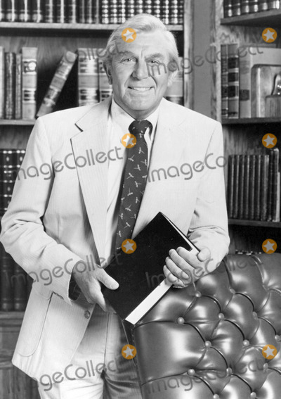 Andy Griffith Photo - Andy Griffith on Matlock Tv-film Still Photo Supplied by Globe Photos
