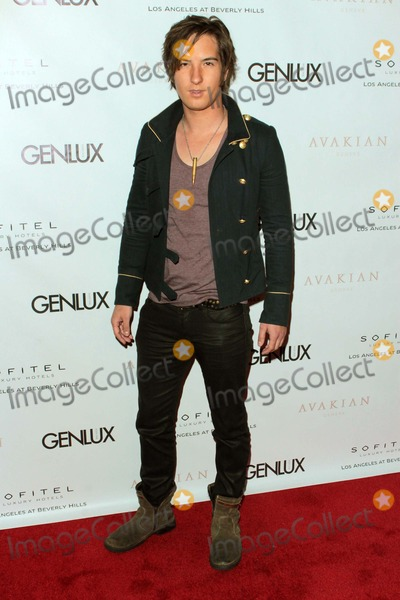 Andrew James Allen Photo - Andrew James Allen Arrives at Genlux Issue Release Party Hosted by Jenna Elfman at the Sofitel Hotellos Angelescausa Photo TleopoldGlobephotos