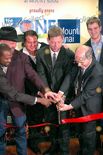Harold Reynolds Photo - left to rightHarold Reynolds Garth Brooks Jason Giambi Troy Aikman Dr Ken Davis CEO and President of The Mount Sinai Medical Center Eli ManningK46673KRMT SINAI HOSPITAL NEW ZONE DEDICATION OF NEW ZONE FOR SICK KIDS NEW YORK CITY 02-07-2006PHOTO KEN RUMMENTS-GLOBE PHOTOS INC  2006