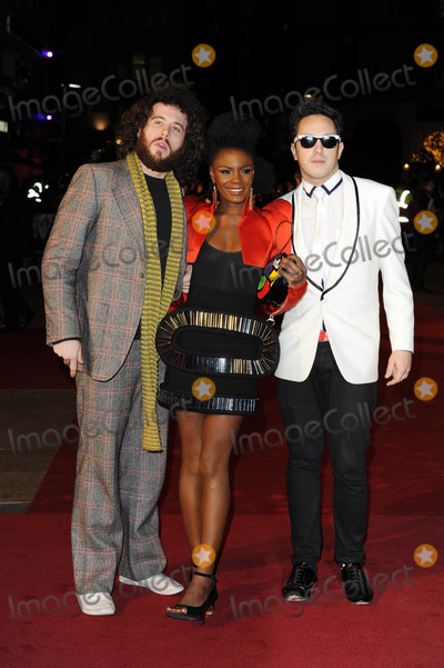 Noisettes Photo - Noisettes Pop Group Nine Premiere at Odeon Leicester Square in London England 12-03-2009 Photo by Neil Tingle-allstar-Globe Photos Inc