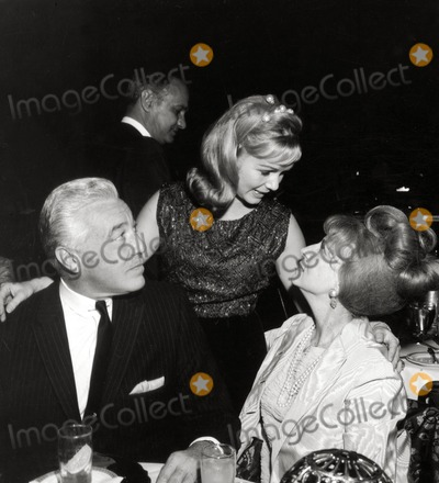 Agnes Moorehead Photo - Cesar Romero Debbie Reynolds Agnes Moorehead Photo Nate CutlerGlobe Photos Inc