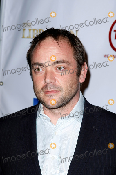Mark Sheppard Photo - Tnts Leverage and the Librarian Curse of the Judas Chalice Party Photo by Graham Whitby Boot-allstar-Globe Photos Mark Sheppard