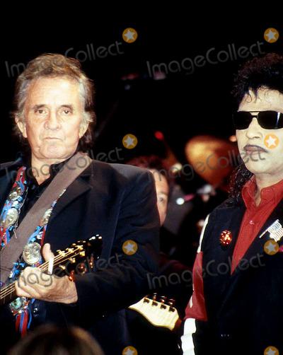 Little Richard Photo - Sd0115 Ricknroll Hall of Fame Johnny Cash_little Richards Photo Byjohn BarrettGlobe Photos Inc 1992 Johnnycashretro