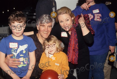 David Canary Photo - David Canary with Family L5742eg All My Children Cast Photo by Ed Geller-Globe Photos Inc