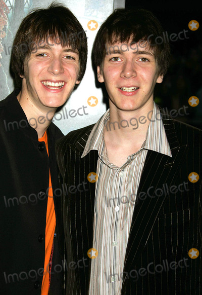 Oliver Phelps Photo - the Premiere of Harry Potter and the Goblet of Fire at the Ziegfeld Theatre New York City 11-12-2005 Photo by Rick Mackler-rangefinder-Globe Photos 2005 James and Oliver Phelps