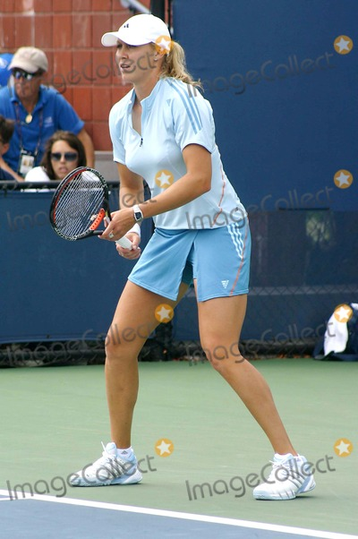 Alicia Molik Photo - 2005 Us Open Day 3 at the Usta Tennis Center Flushing Meadows New York City 08-31-2005 Photo by John Zissel-ipol-Globe Photosinc Alicia Molik