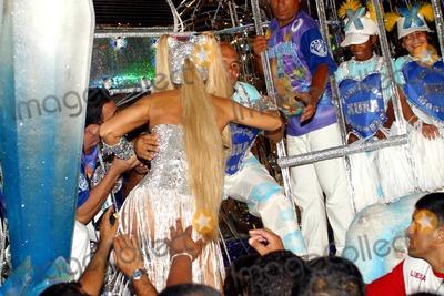 Xuxa Photo - Rio DE Janeiro Brasil Brazilian Tv Presenter Xuxa at the Parade During Rio de Janeiro Carnival 02232004 Photo Robson Moreiracity FilesGlobe Photosinc