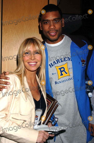 Allan Houston Photo - Knicks Bowl 6 Celebrity Bowling at Chelsea Piers New York City 03-10-2005 Photo by John Krondes-Globe Photosinc 2005 Lisa Gastineau and Allan Houston