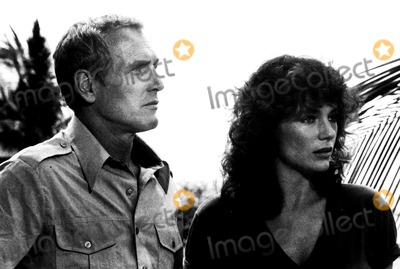 Jacqueline Bisset Photo - Paul Newman and Jacqueline Bisset in When Time Ran Out 1980 Supplied by Globe Photos Inc Paulnewmanretro
