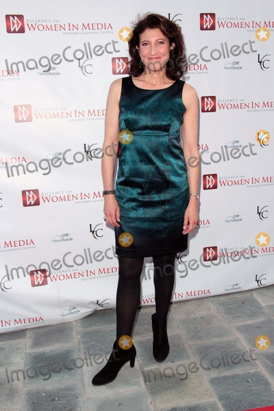 Amy Aquino Photo - Amy Aquino attends Alliance For Women in Media - 56th Annual Genii Awards 23rd April 2013 at the Skirball Cultural Centerlos Angeles Causaphoto TleopoldGlobephotos