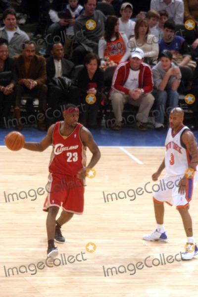 Stephen Marbury Photo - New York Knicks Vs the Cleveland Cavaliers at Madison Square Garden (Msg) New York City 02222004 Photo John Barrett Globe Photos Inc 2004 Lebron James and Stephen Marbury