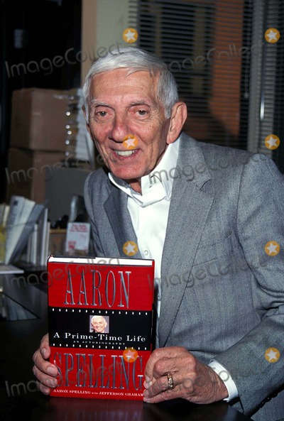 Aaron Spelling Photo - Aaron Spelling at His Book Signing 1996 K5761tr Photo by Tom Rodriguez-Globe Photos Inc