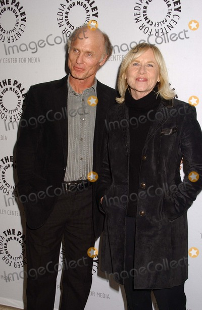 Amy Madigan Photo - Ed Harris  Amy Madigan the Paley Center For Media Presents American Masters - Jeff Bridges the Dude Abides Held at the Paley Center For Media Los Angeles 01-08-2010 photo Phil Roach-ipol-globe Photos Inc 2011 I15052pr