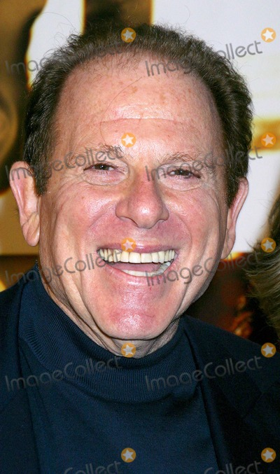 Arnold Kopelson Photo - Runaway Jury World Premiere at the Cinerama Dome Theatre Hollywood CA 10092003 Photo by Clinton H Wallace  Ipol  Globe Photos Inc 2003 Arnold Kopelson