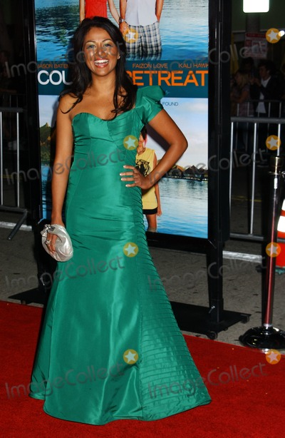 Karen David Photo - Karen David   attends the Los Angeles Premiere of Couples Retreat Held at the Manns Village Theatre in Westwood California on October 5 2009 Photo by Phil Lroach-ipol-Globe Photos Inc