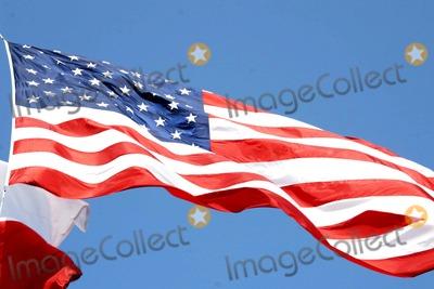 American Flag Photo - Flag Dallas City Hall Copyright Jeff Newman 2006 K47693jn Photo Jeff Newman  Globe Photos Inc