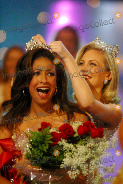Erika Harold Photo - Sd0922 Miss America Pageant Atlantic City Beachnj Photojohn BarrettGlobe Photos Inc 2002 Erika Harold Miss America 2003