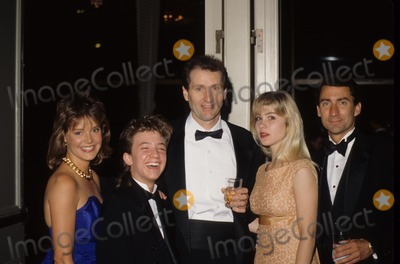 Amanda Bearse Photo - Christina Applegate with Amanda Bearse  David Faustinoed Oneill  David Garrison F8314 Photo by Bob V Noble-Globe Photos Inc