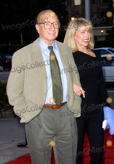 Elaine Joyce Photo - Neil Simon and Wife Elaine Joyce Fundraising Gala For Backstage at the Geffen the Geffen Playhouse Westwood CA April 22 2002 Photo by Nina PrommerGlobe Photos Inc2002