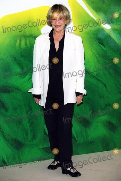 Jeanne Moreau Photo - Jeanne Moreau Actress Ly Venice Film Festival 2001 Ita 08092001 Bk85a22c Credit AllstarGlobe Photos Inc