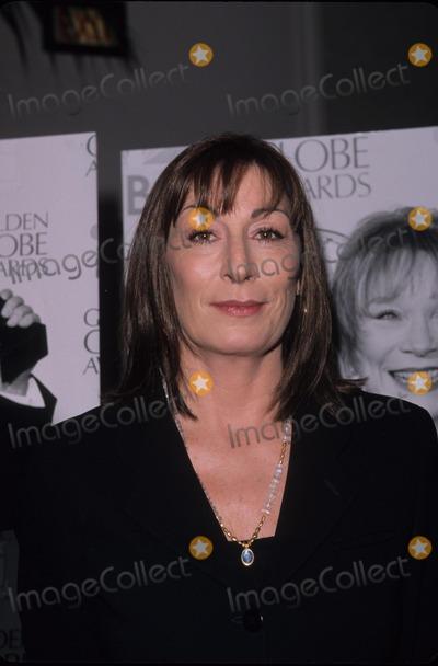 Anjelica Huston Photo - Anjelica Huston Miss Golden Globe 2000 Announced at Beverly Hilton Hotel  Ca K17068fb Photo by Fitzroy Barrett-Globe Photos Inc