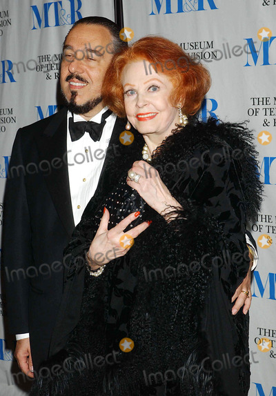 Arlene Dahl Photo - the Museum of Television and Radio to Honor Merv Griffin at Its Annual New York Gala at the Waldorf-astoria  New York City 5-26-2005 Photo Byken Babolcsay-ipol-Globe Photos Inc 2005 Arlene Dahl and Marc Rosen