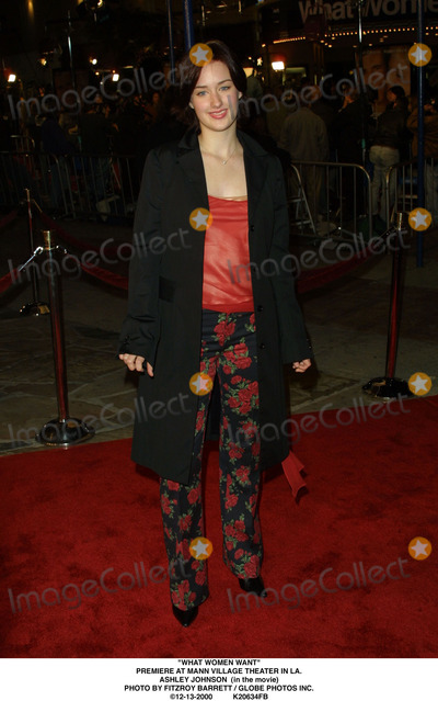 Ashley Johnson Photo - What Women Want Premiere at Mann Village Theater in LA Ashley Johnson (in the Movie) Photo by Fitzroy Barrett  Globe Photos Inc 12-13-2000