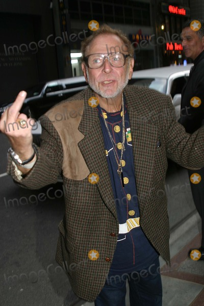 Al Goldstein Photo - Celebrities Outside the Rihga Royal Hotel in New York City 11012003 Photo by Barry TalesnickipolGlobe Photos Inc 2003 AL Goldstein