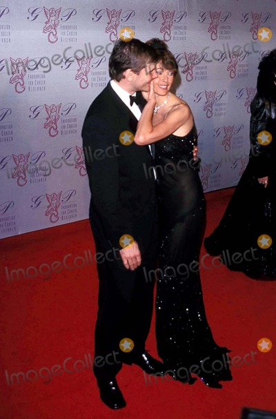 Alexei Yashin Photo - Carol Alt and Alexei Yashin the G  P Foundation For Cancer Research Salutes the World Entertainment and Media at the Angel Ball at the Marriott Marquis  New York City 10272003 Photo Byjohn ZisselipolGlobe Photos Inc 2003