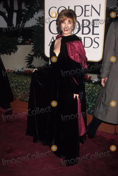 Anne Archer Photo - Anne Archer the 53rd Golden Globes 1996 L4712lr Photo by Lisa Rose-Globe Photos Inc