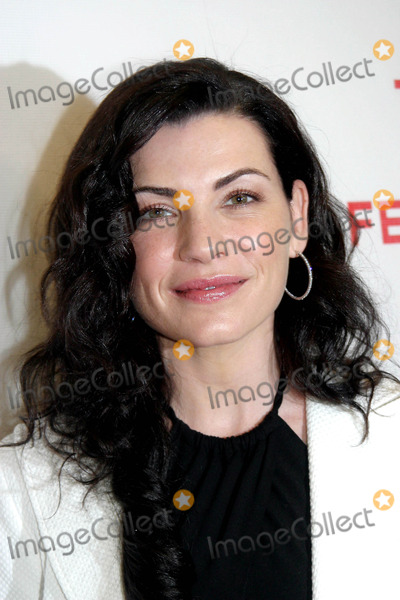 Julianne Margulies Photo - 4th Annual Tribeca Film Festival Presents the Premiere of Slingshot at Stuyvesant High School New York City 04-26-2005 Photo Barry Talesnick  Ipol  Globe Photos Inc 2005 Julianne Margulies
