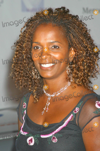 Vanessa Bell Calloway Photo - 6th Annual Mercedes Benz Designcure at the Home of Sugar Ray Leonard in Pacific Palisades CA 07102004 Photo by Clinton H WallaceipolGlobe Photos Inc 2004 Vanessa Bell Calloway